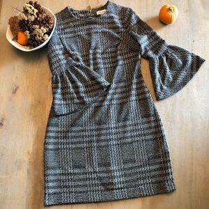 Sheath Bell sleeve dress